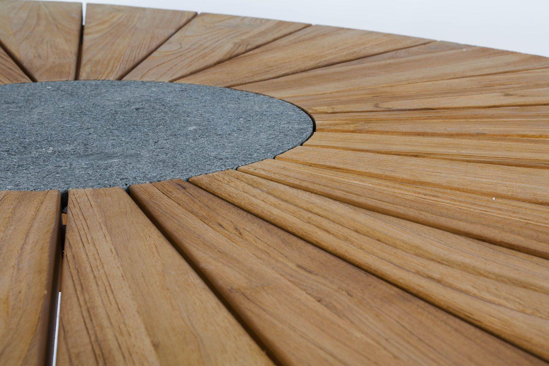 Detaljbild på Sunburst Elips bord från Atleve.