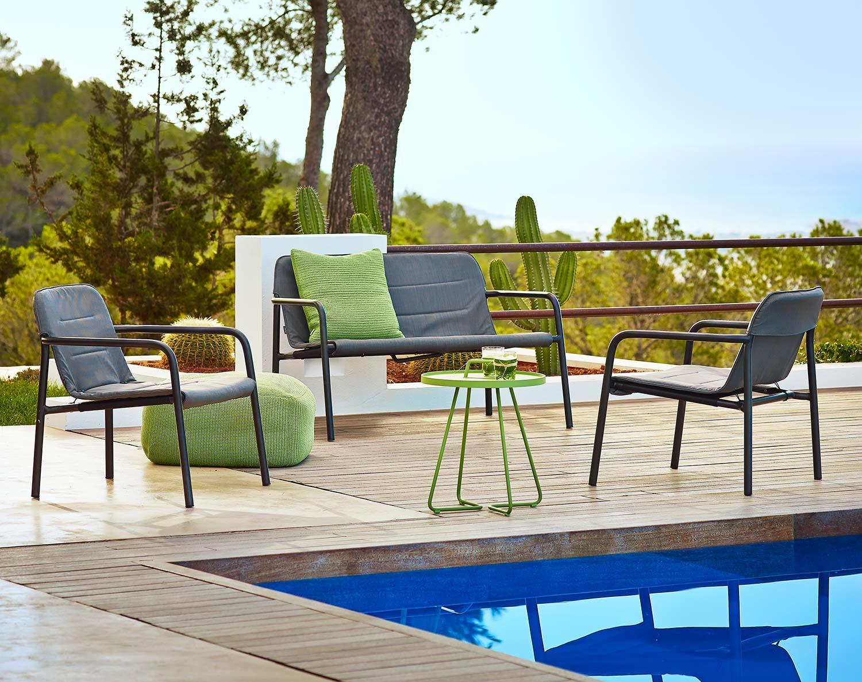 Kapa lounge stol och och soffa från Cane-line.