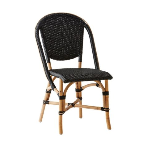 Sofie stol i rotting och plast i färgen svart från Sika-design.