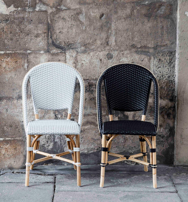 Sofie stol från Sika Design i vit konstrotting med rottingstomme.