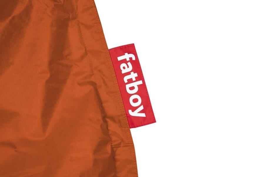 En närbild på Fatboy original orange.