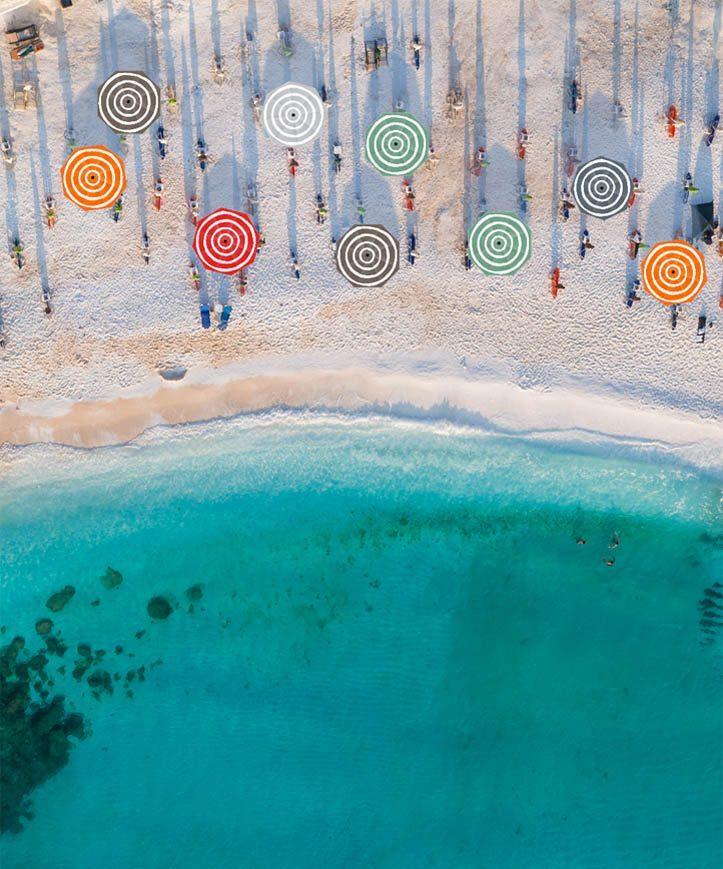 Miljöbild på Stripesol parasoll från Fatboy.