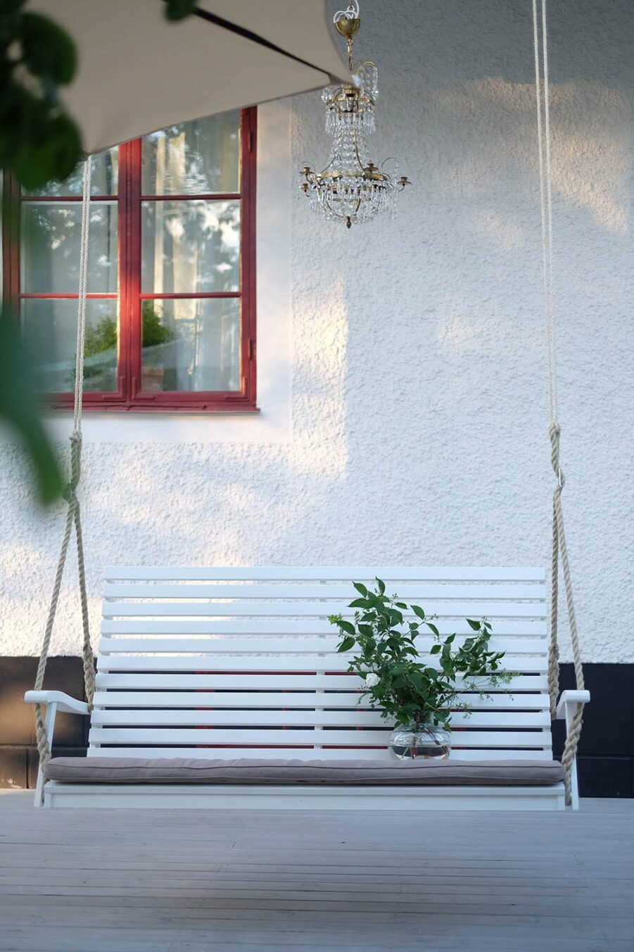Miljöbild på hammockgungan Marstrand från Hillerstorp.