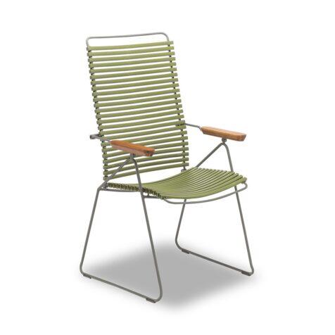 På bild ser ni en click positionsstol från Houe i färgen olivgrön.