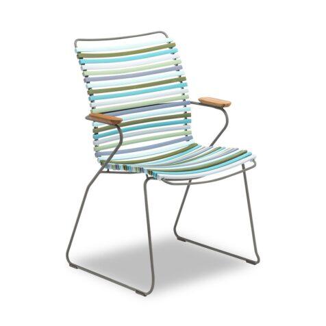 Houes multifärgade click karmstol med högt ryggstöd.