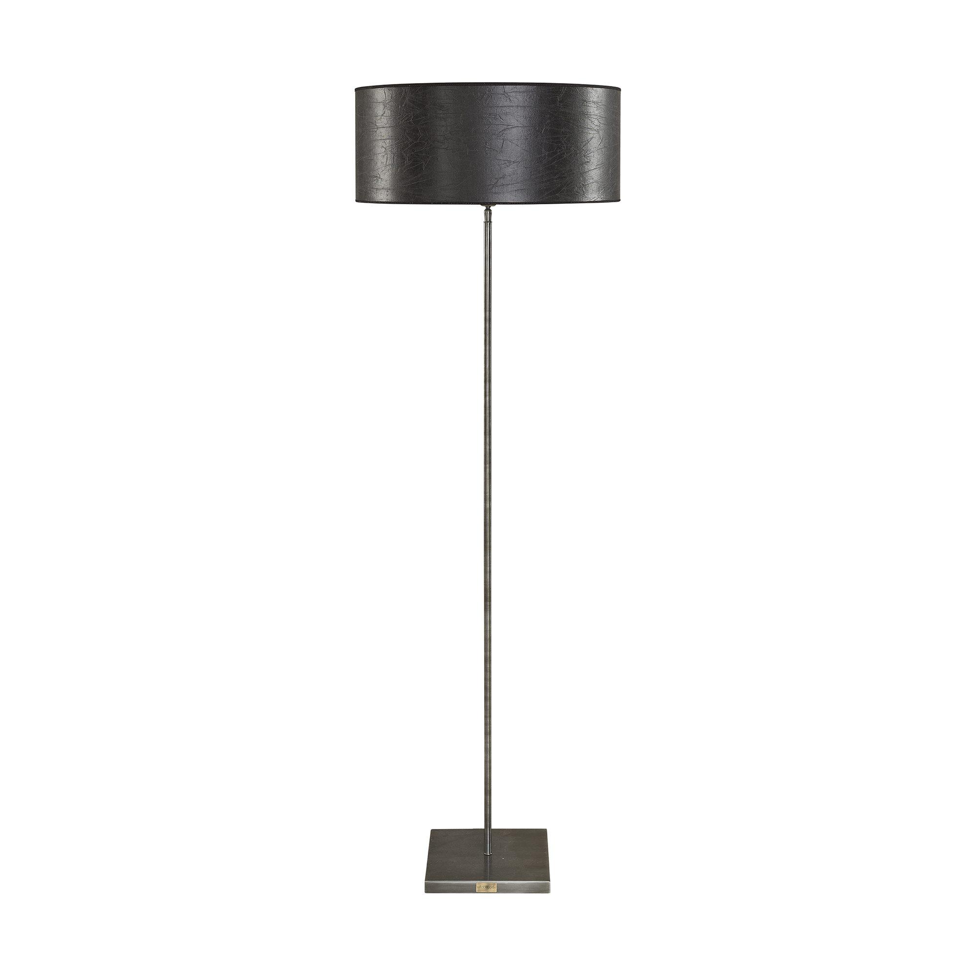 Pewter golvlampa med rund lampskärm i svart.