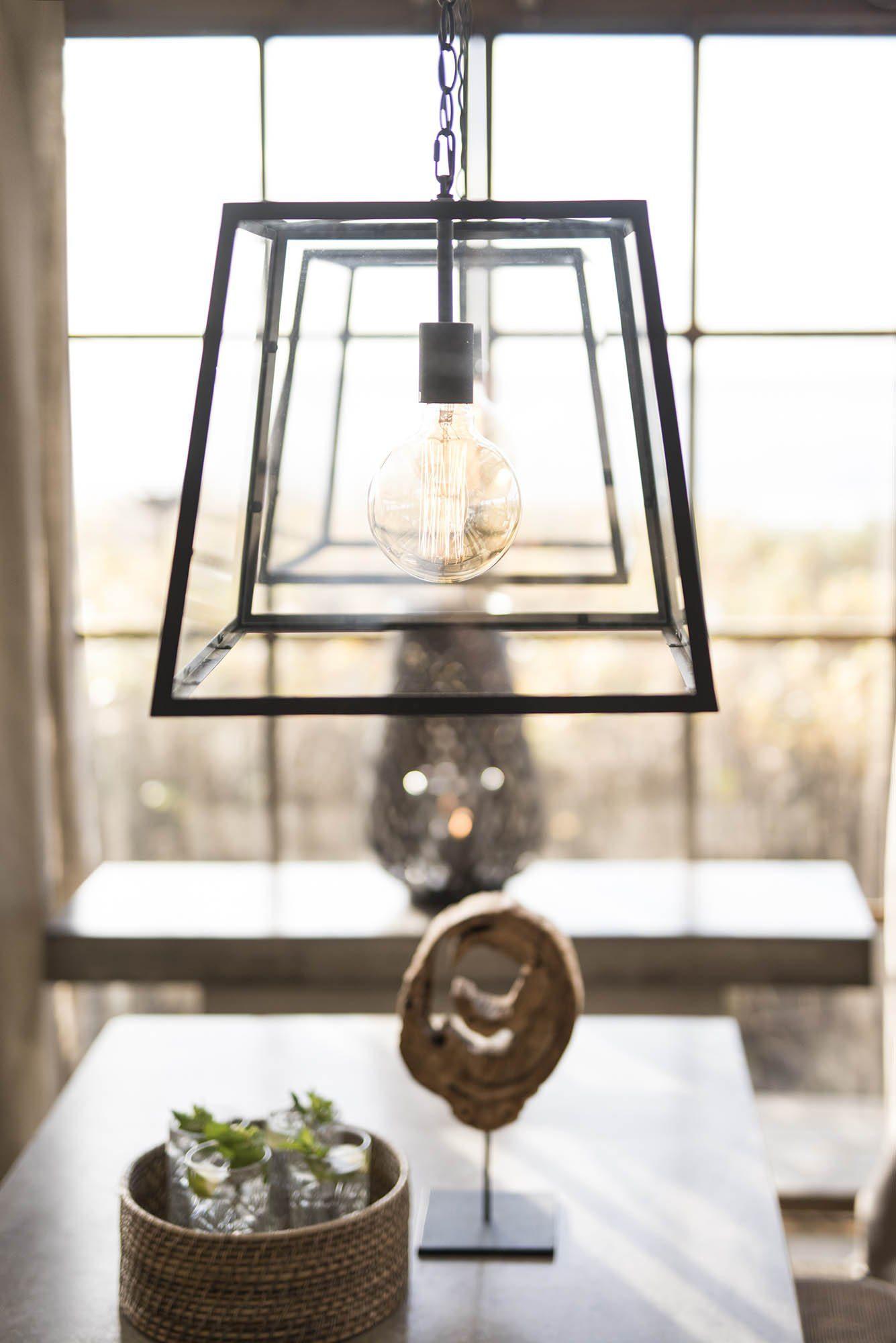 Miljöbild av City taklampa i glas från Artwood.