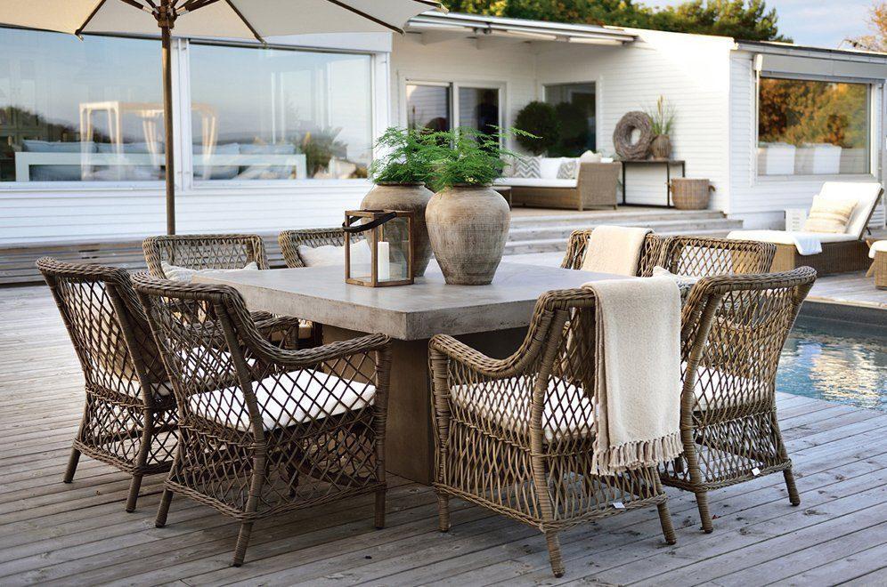 Miljöbild på Campos matbord 150x150 cm tillsammans med Marbella karmstol från Artwood.
