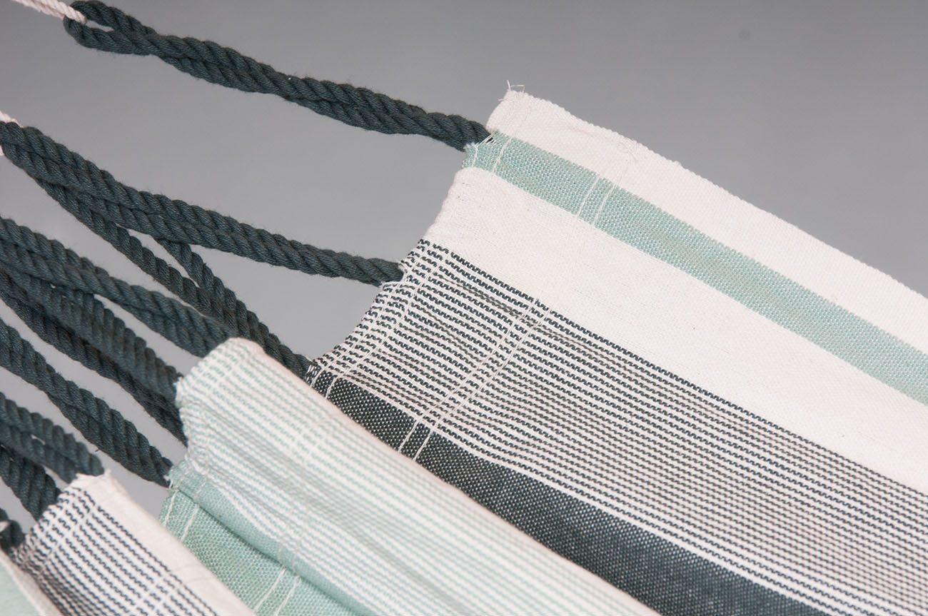 Närbild på tyget Olive på hängmattan Paloma från La Siesta.