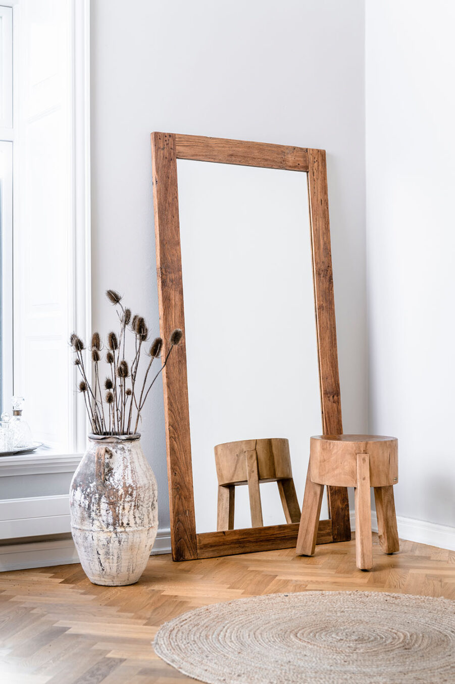Sika-Design Lucas spegel 180x90 cm och Roger pall
