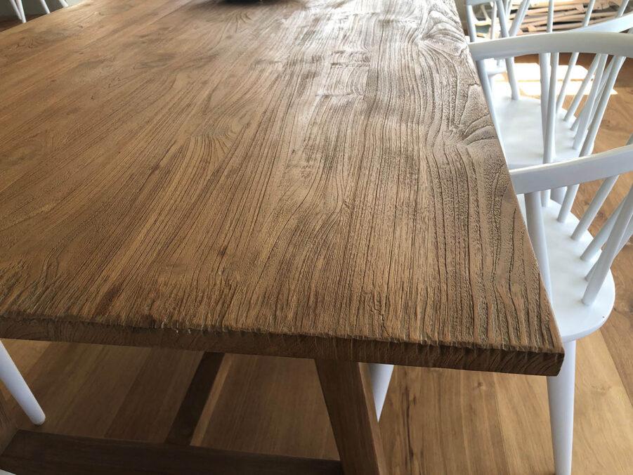 En närbild på Lucas bord från Sika Design.