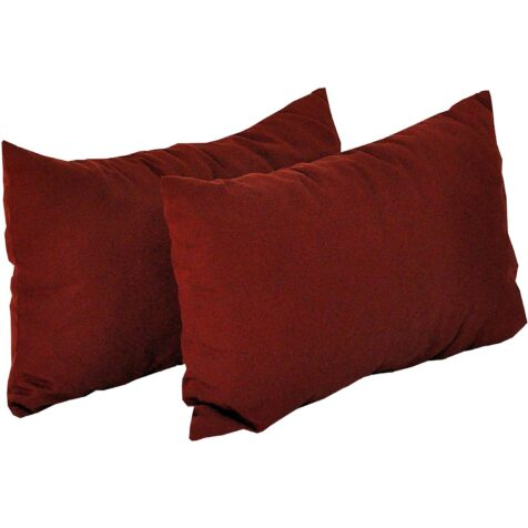 sidokuddar i färgen vinröd i material dralon från fritab.