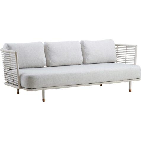 Sense soffa i vit rotting från cane-line