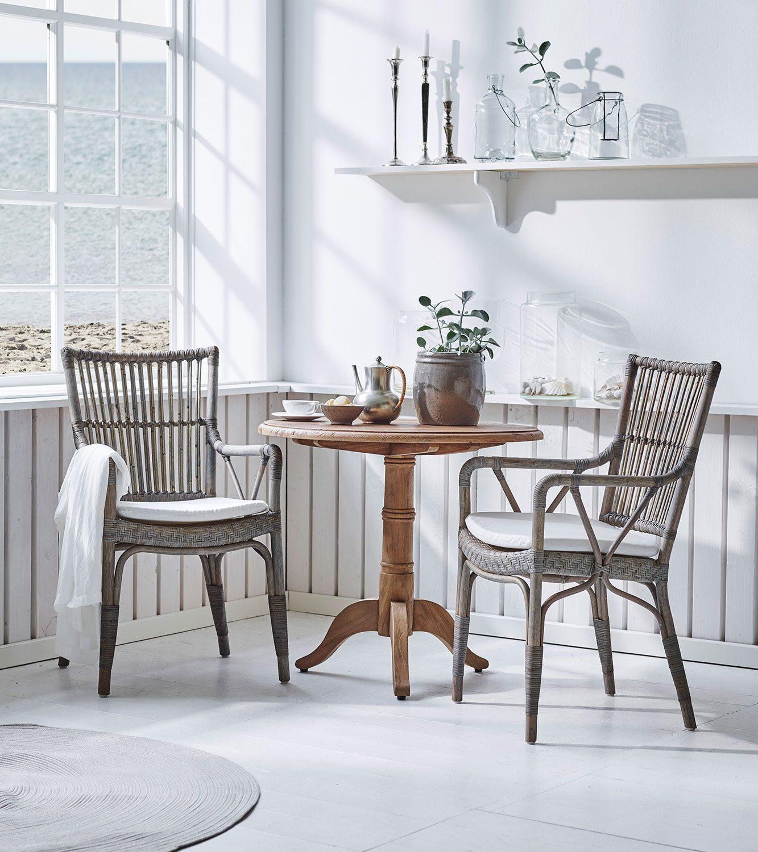 Piano stolar tillsammans med Michel bord från Sika Design.