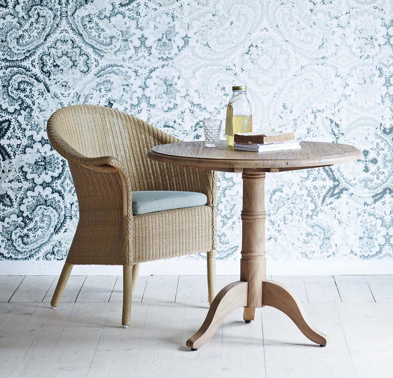 Classic stol med Michel bord från Sika Design.