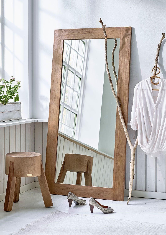 Lucas spegel från Sika Design i återvunnen teak.