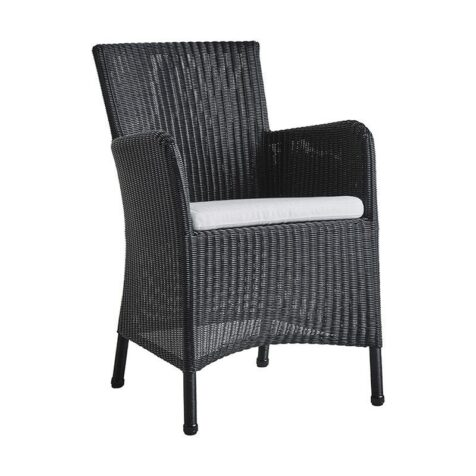 Hampsted karmstol i svart konstrotting med vit dyna från Cane-Line.