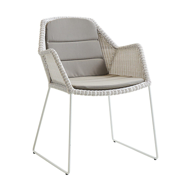Breeze stol i vitt med taupe dyna från Cane-Line.