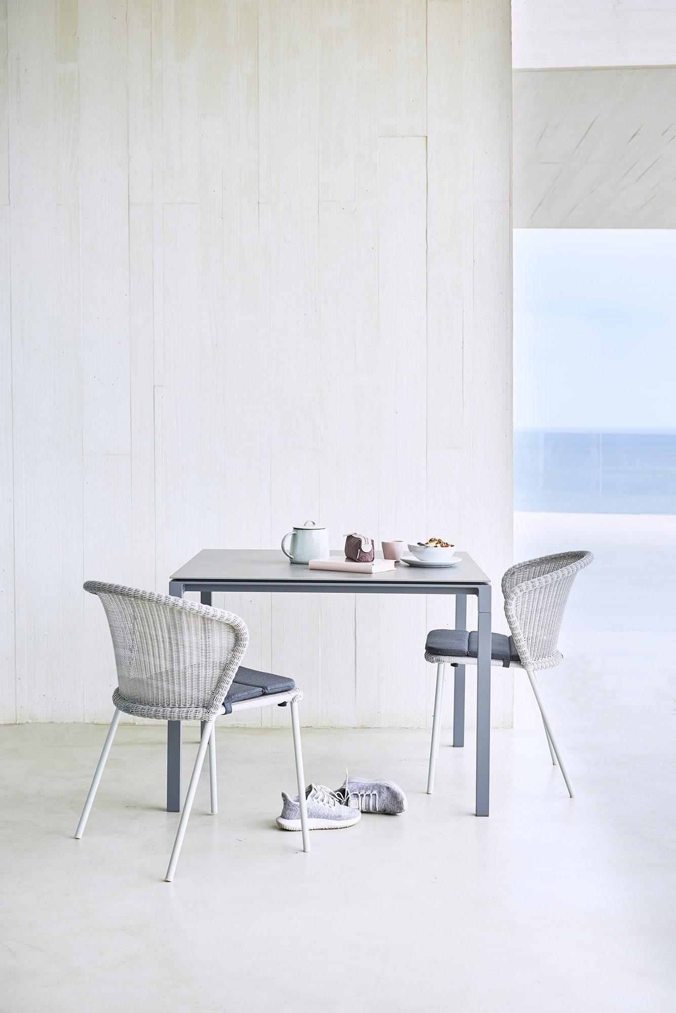 Miljöbild av Lean stol med Pure matbod.