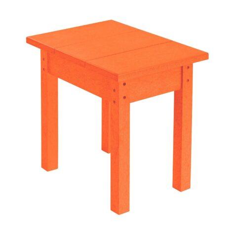 Sidobord i orange återvunnen plast från C.R.Plastic.