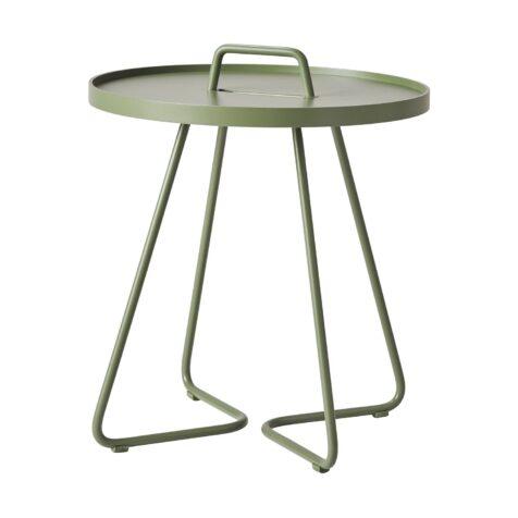 Olivgrönt on-the-move bord från Cane-Line.