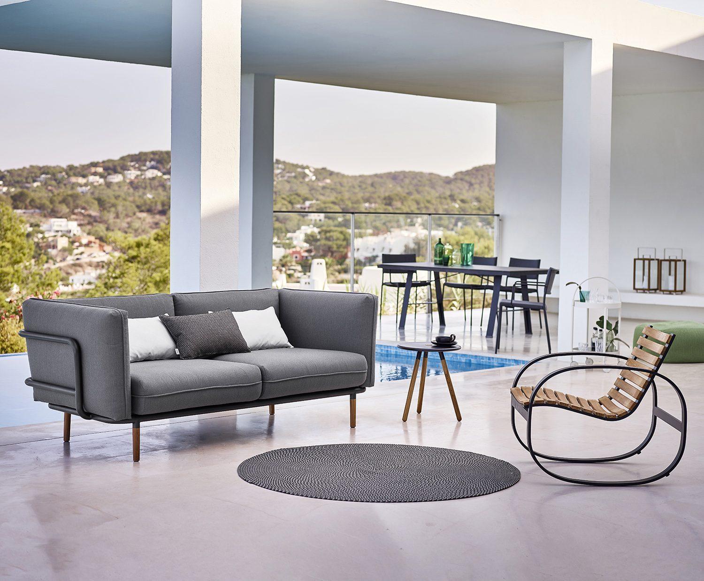 Nya utemöbler från Cane-Line, Urban soffa och Parc gungstol.