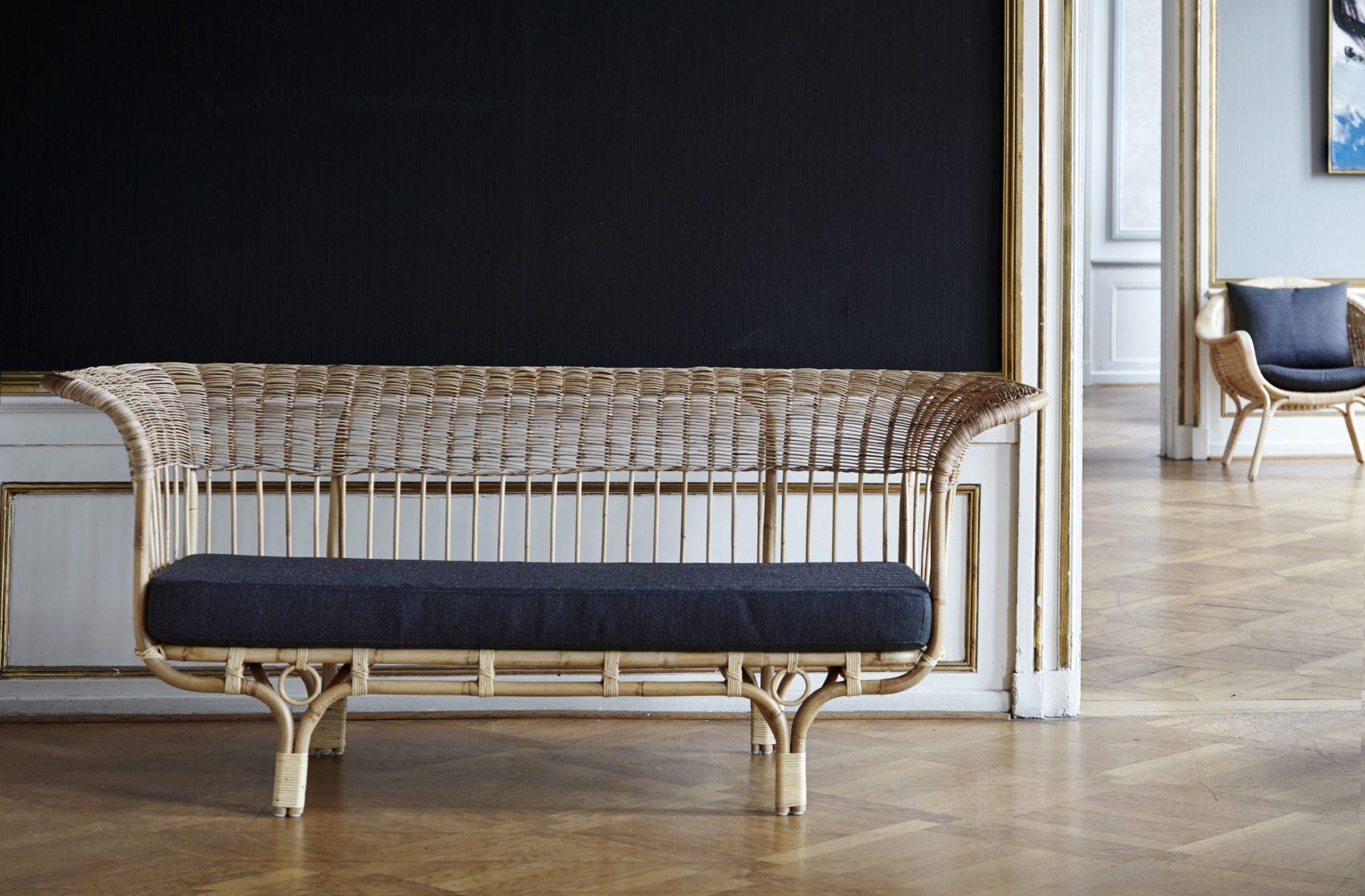 Belladonna soffa i natur-rotting från Sika-Design.