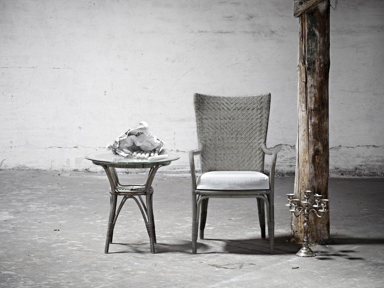Melöody karmstol i taupe natur-rotting från Sika-Design.