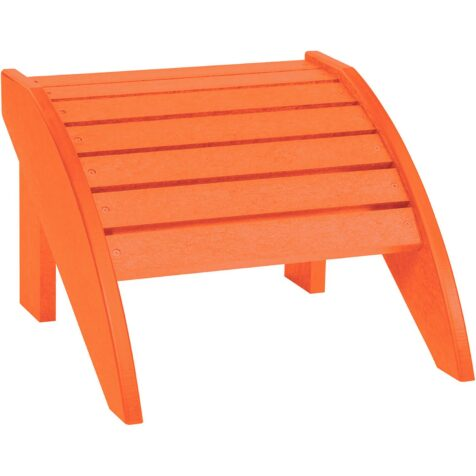 Fotpall i orange till Adirondackstolen i samma serie helt i återvunnen plast från C.R.Plastic Products.