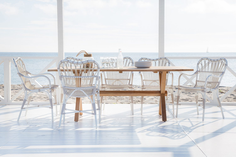 Margret krmstol med Colonial bord från Sika-Design.