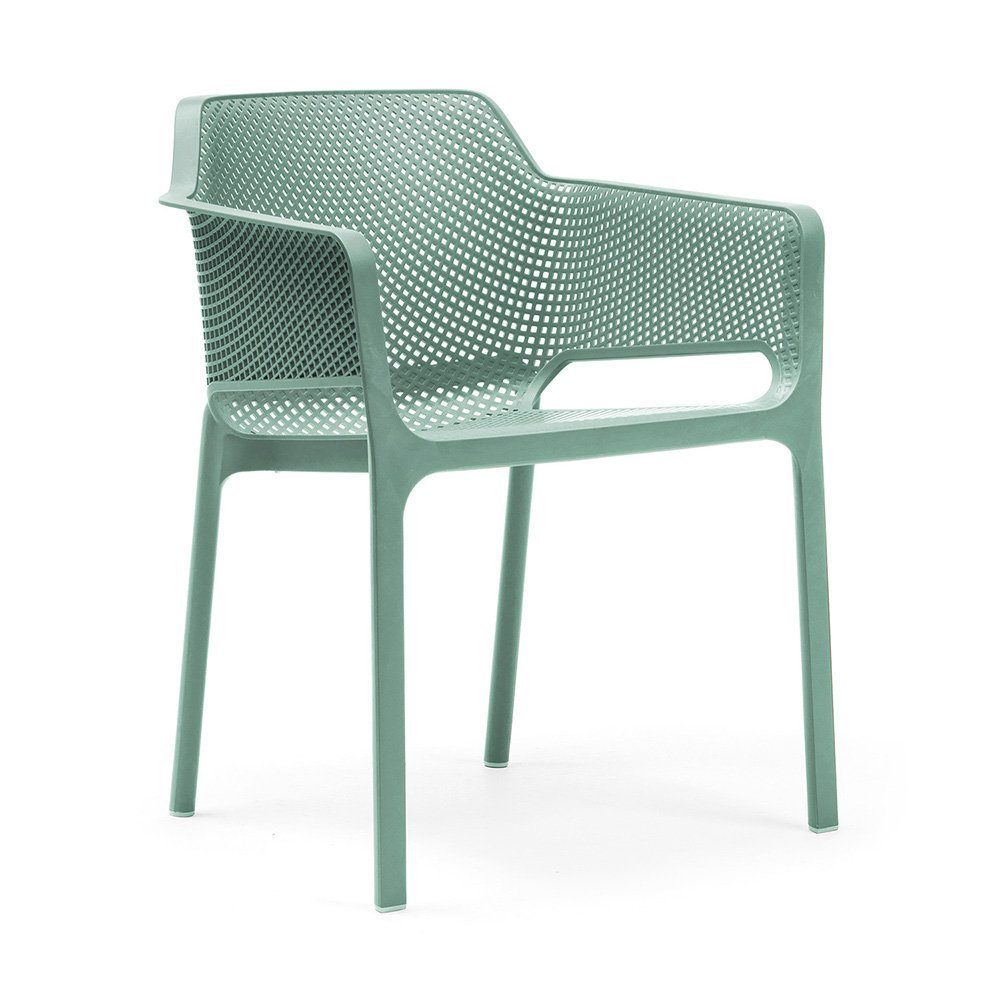 Net stol i grön plast.