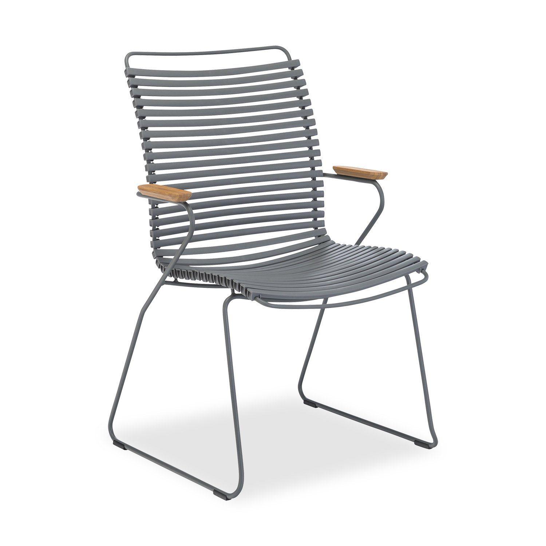 Click karmstol med hög rygg och mörkgrå lameller.