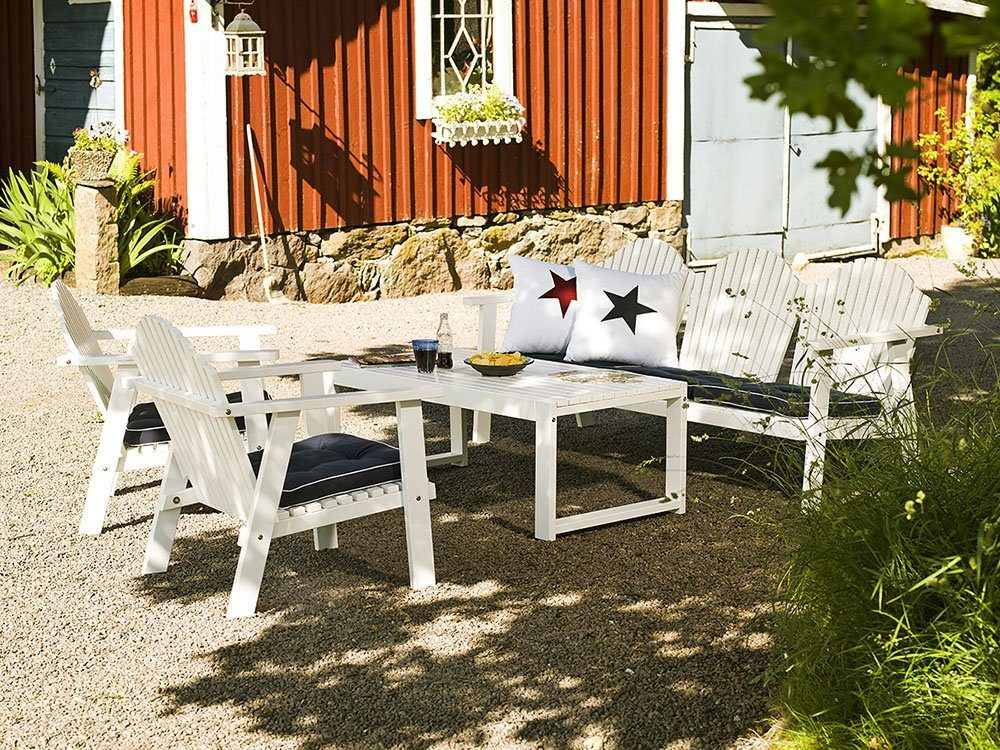 Blå sittdyna från hillerstorp med vit kedjelist.