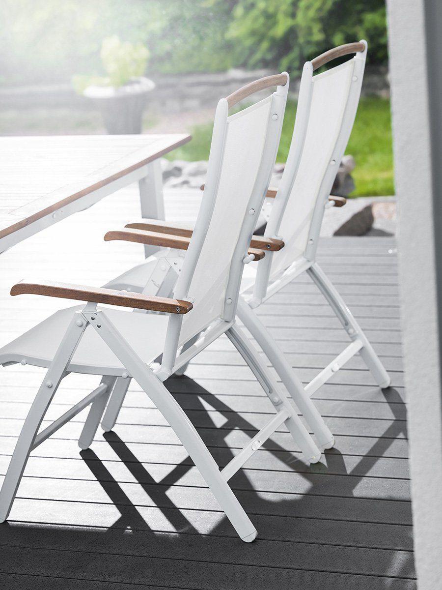 Positionsstol Nydala i vit aluminium och vit textilene.