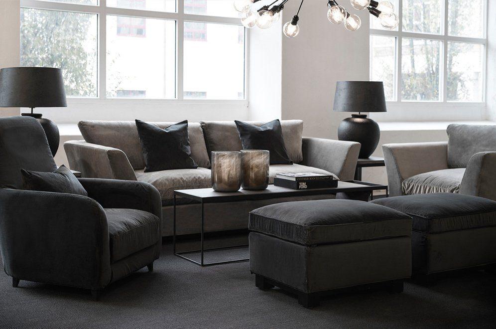 Miljöbild på New Soho soffa från Artwood tillsammans med Ella fåtölj och Magazine soffbord.