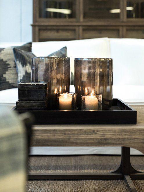 Detaljbild på bricka och soffbord från Artwood.