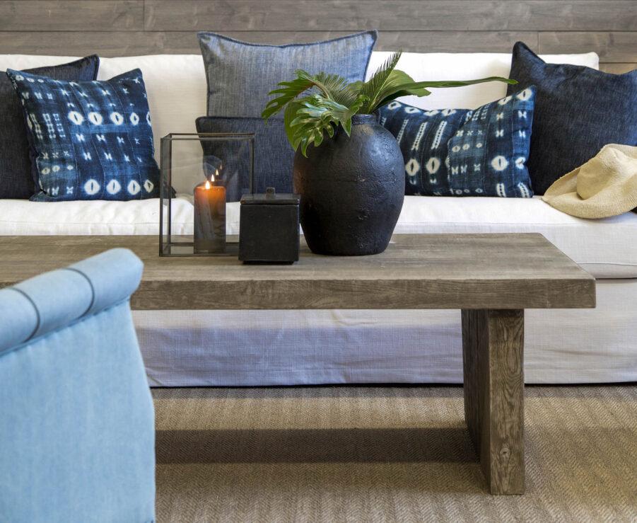 Miljöbild på soffbordet Plint.