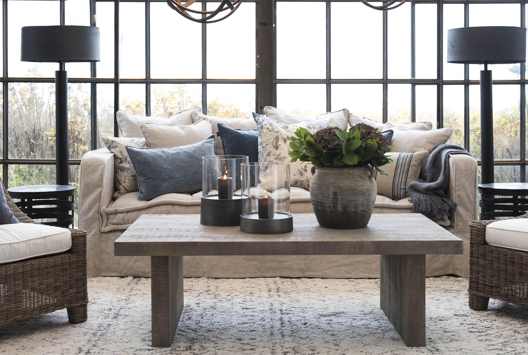 Miljöbild på Plint soffbord och Greenwich soffa.