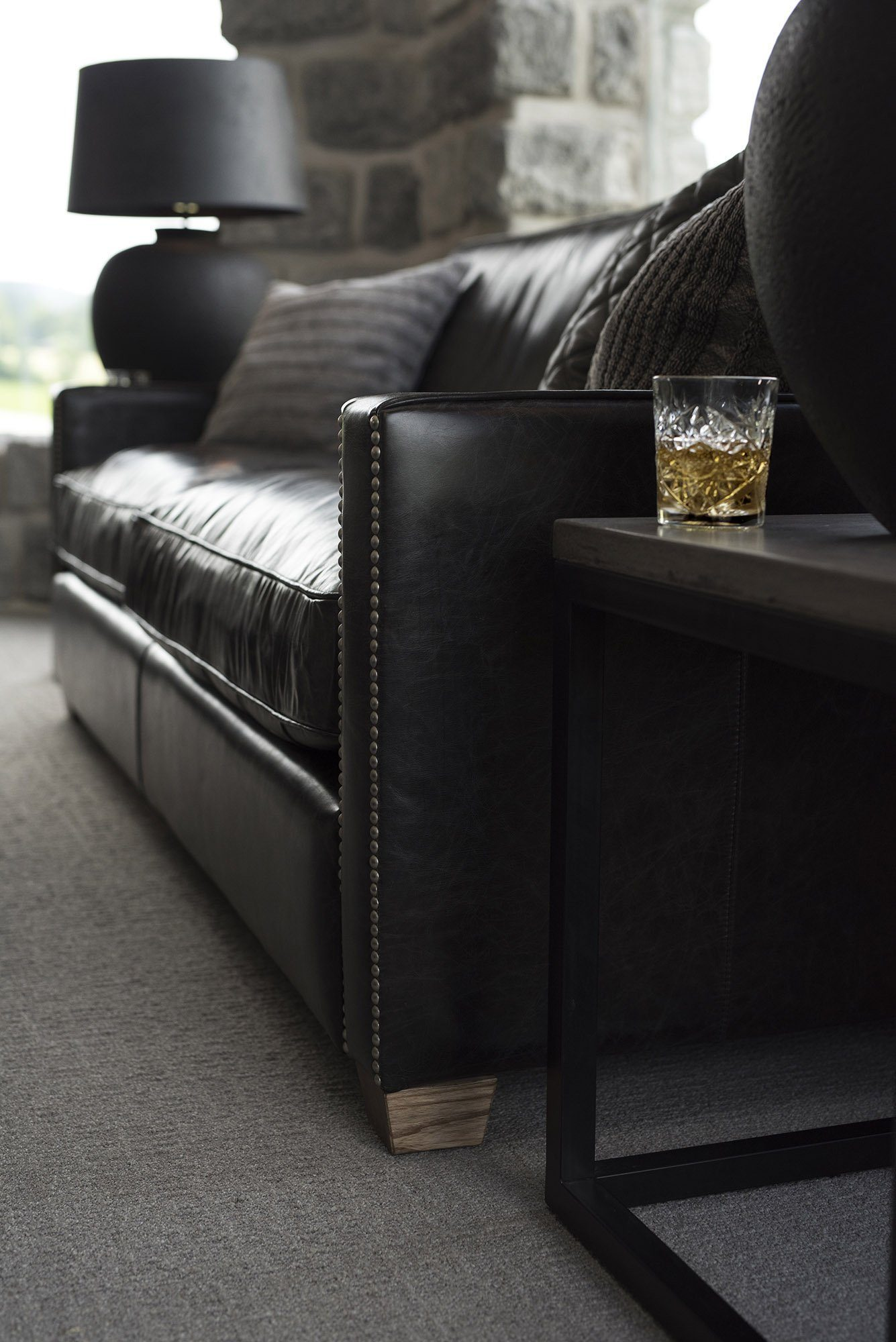 Närbild på Viscount soffa från Artwood.