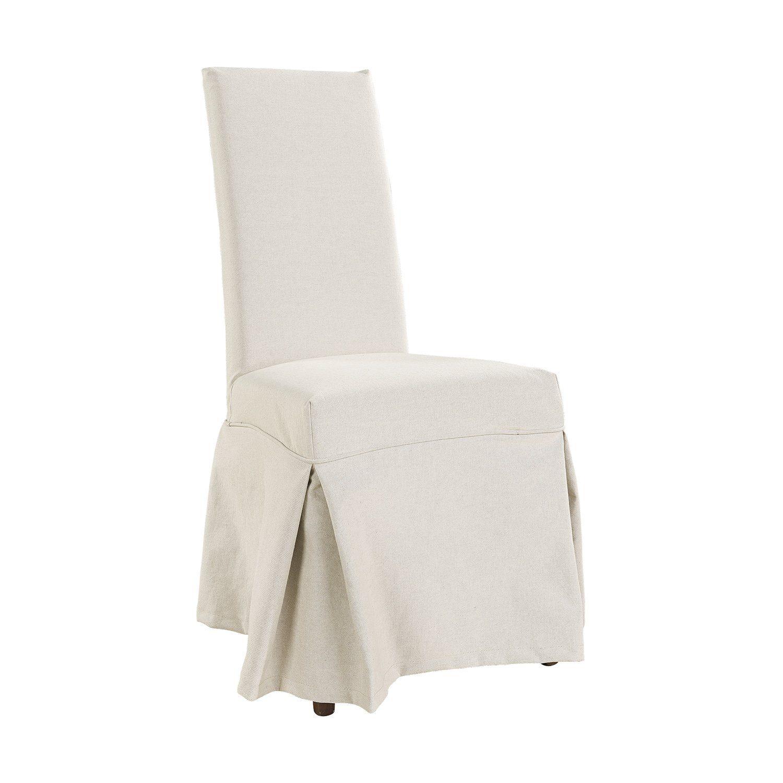 Nancy matstol med överdrag med lång volang nertill.