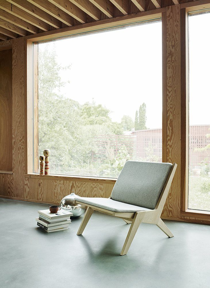 Miljöbild på Miskito loungestol i ek från Skagerak.