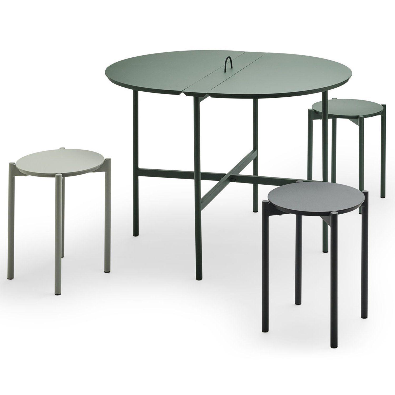Picninc bord och pallar i aluminium i flera färger från Skagerak.