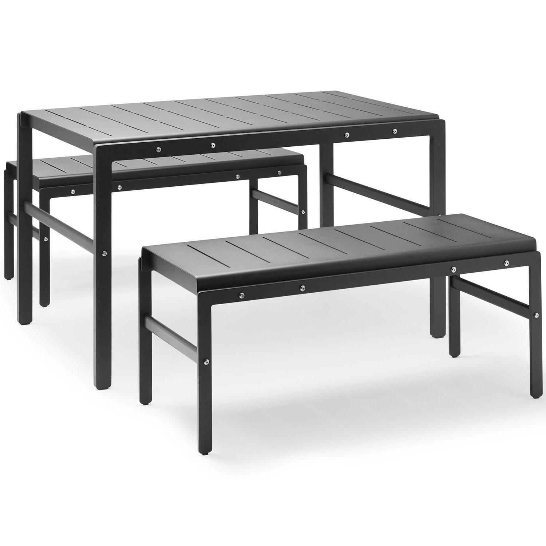 Reform grupp i aluminium med bänkar och bord från Skagerak.