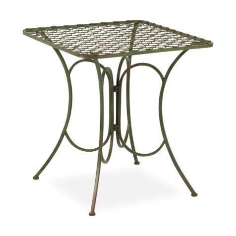 Smidesbord från By Boysen med måtten 70x70 cm.