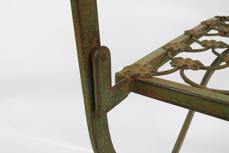 Smidesstol från By Boysen i antikgrönt.
