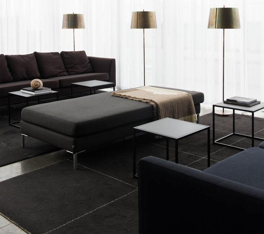 Square litet soffbord i svart från Design Of.