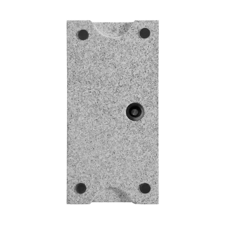 Detaljbild på balkongparasollfot i granit.