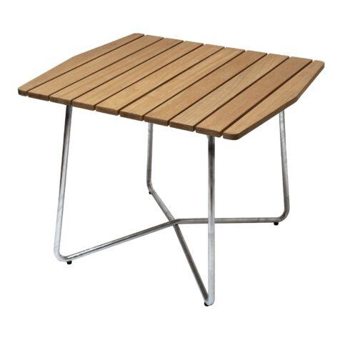 B30 bord i oljad ek med galvaniserat stativ från Grythyttan Stålmöbler.