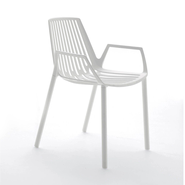 Vit Rion-stol i gjuten aluminium.