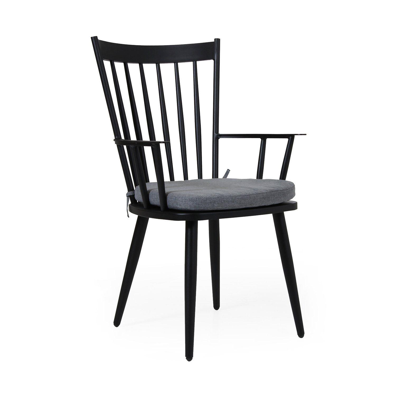 Alven karmstol från varumärket Brafab är en trädgårdsstol i svart aluminium.